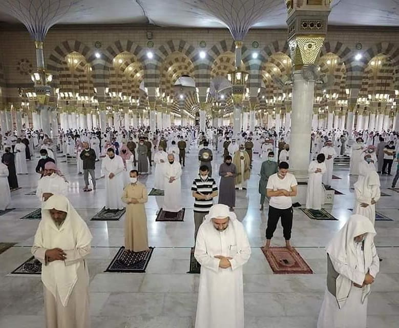 mosques reopen under Covid-19 restrictions masjid nabawi