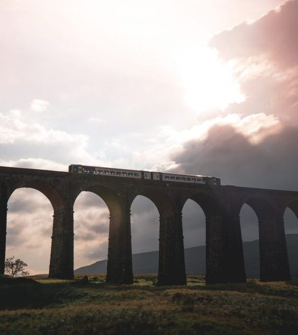 Ribblehead Viaduct, North Yorkshire. Explore the best of the UK countryside: 6 day itinerary to North England