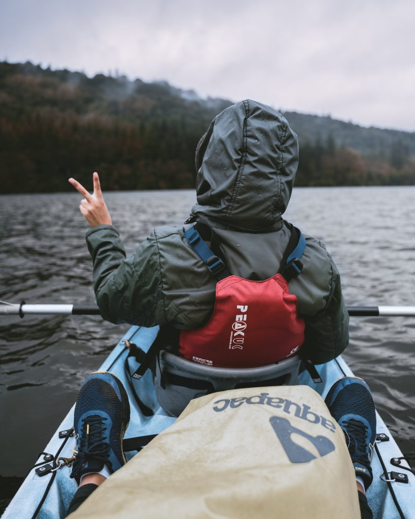 kayaking in lake windermere. Explore the best of the UK countryside: 6 day itinerary to North England